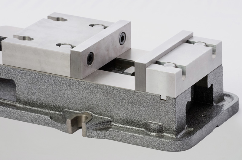 "6"" Winn Speed Lock Vise with an integrated quick change vise jaw systems"